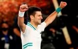 Джокович вновь стал чемпионом Australian Open, обыграв в трех сетах Медведева